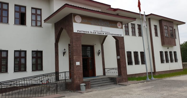 Patnos'ta kütüphane önlemlerle açıldı